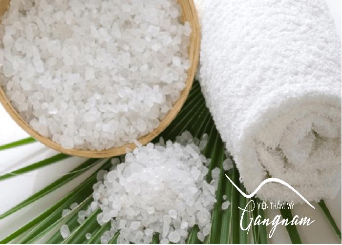 Cách giảm béo bụng dưới bằng chườm muối