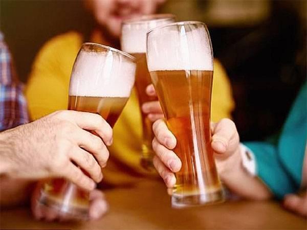 Thói quen ăn uống là một trong những nguyên nhân chính gây ra nếp nhăn trên khuôn mặt