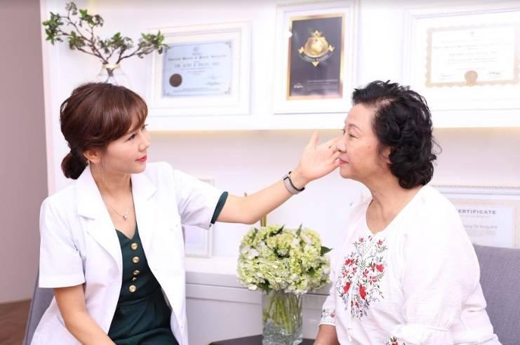 NSƯT Minh Đức trẻ đẹp bất ngờ sau khi căng da mặt bằng chỉ Collagen Smart Fiber-2