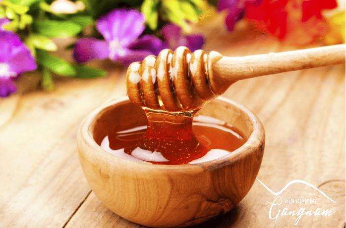 Phương pháp làm trẻ hóa da mặt bằng mật ong