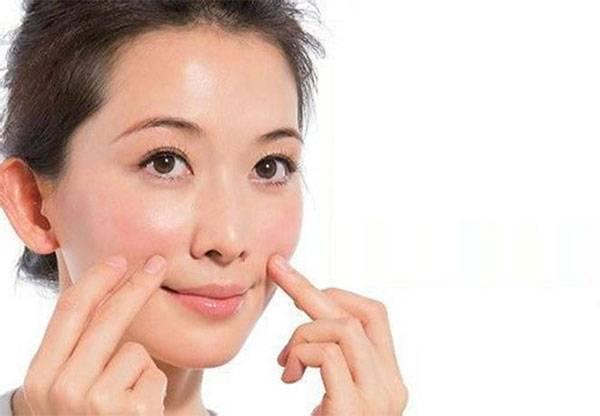 Cách làm giảm nếp nhăn khóe miệng bằng phương pháp tự nhiên được nhiều chị em lựa chọn nhờ tiện lợi & chi phí rẻ