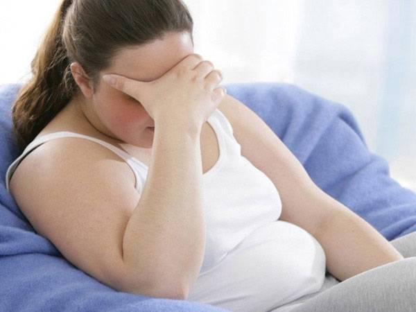 """Ngay sau khi sinh con, nhiều """"mẹ bỉm"""" đã lao vào công cuộc tìm kiếm thuốc giảm mỡ bụng an toàn để lấy lại vóc dáng bằng mọi giá - Hình minh họa"""