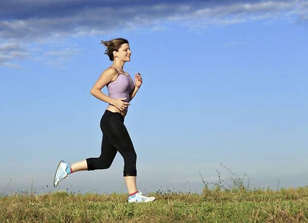 Hoạt động thể dục chạy bộ, đạp xe.. được xem là cách giảm mỡ lành mạnh, an toàn.