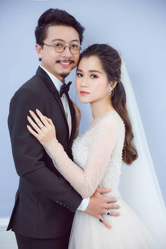 Lâm Vỹ Dạ và và chồng trông thật xứng đôi vừa lứa