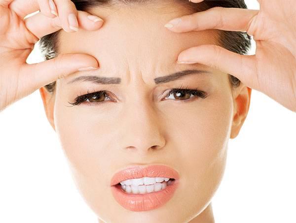 Nếp nhăn cau mày xuất hiện không chỉ do tuổi tác mà còn do thói quen cảm xúc