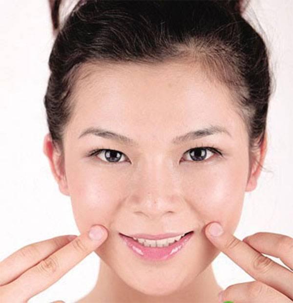 Massage giảm nếp nhăn khóe miệng