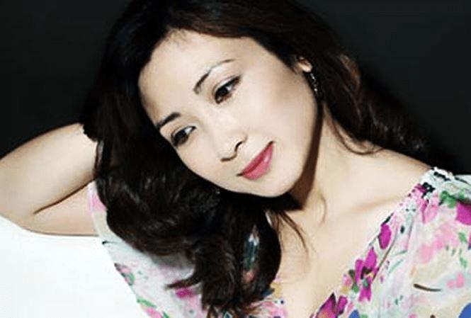 Khánh Huyền từng bế tắc khi nhan sắc có dấu hiệu xuống cấp ở tuổi 40