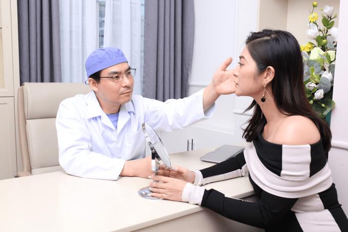 Thanh Trúc thăm khám trực tiếp với tiến sĩ Hàn Quốc