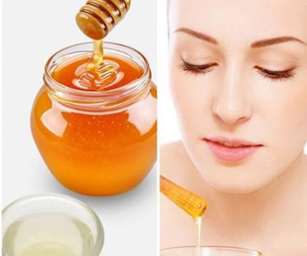 Mặt nạ mật ong luôn luôn được yêu thích và được nhiều chị em lựa chọn để làm căng da mặt tại nhà