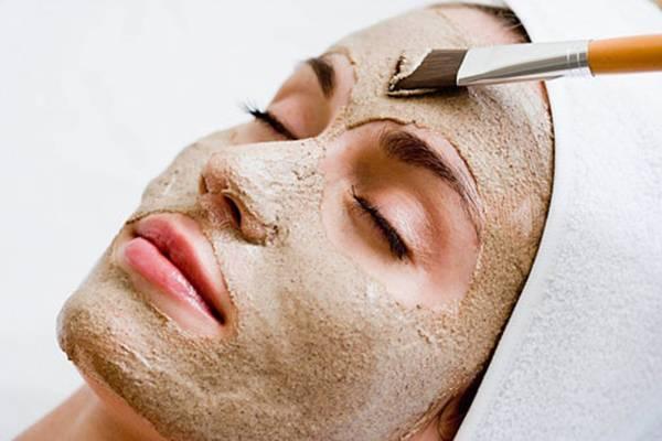 Sử dụng các phương pháp trẻ hóa da mặt tự nhiên là cách làm đơn giản, dễ thực hiện, giá thành rẻ