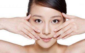 Việc massage mặt hay dùng kem dưỡng da để trẻ hóa da mặt cần duy trì lâu dài nhưng lại không mang đến hiệu quả rõ rệt