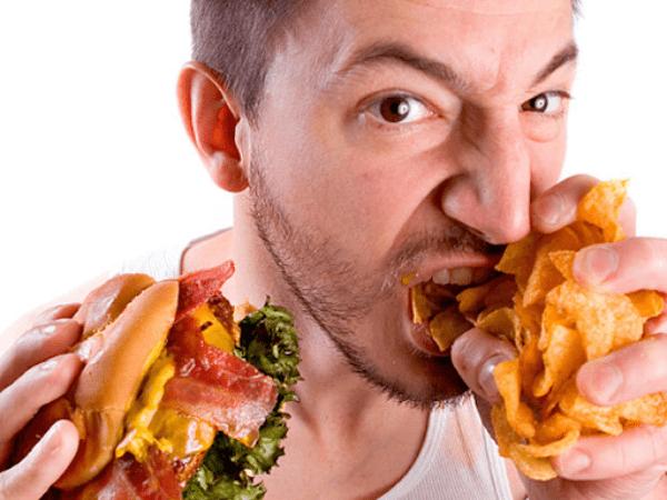 Ăn uống nhiều quá mức cho phép để đến lúc phải tìm cách giảm mỡ toàn thân cho nam