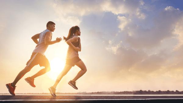 Chạy bộ là cách rất nhiều người lựa chọn để giảm mỡ toàn thân tại nhà