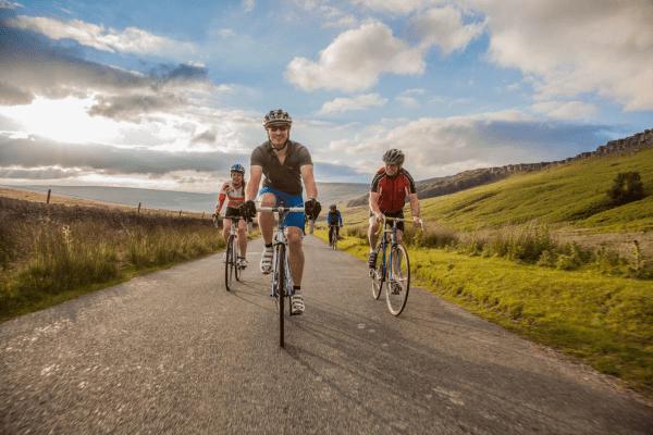 Đạp xe vừa có thể giải toả stress vừa giúp giảm béo toàn thân tại nhà hiệu quả