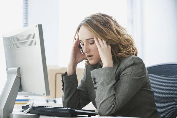 Áp lực công việc nặng nề gây ra triệu chứng thèm ăn