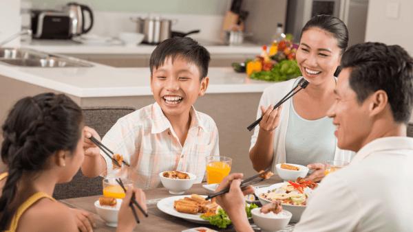 Khó có thể duy trì được chế độ ăn giảm mỡ lâu dài do thói quen sinh hoạt