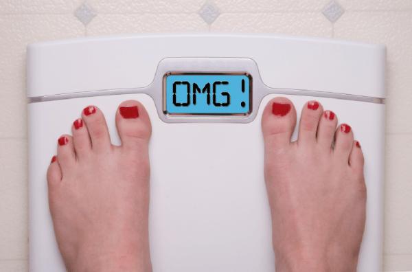 Đứng lên cân quá nhiều có thể làm chúng ta thất bại với kế hoạch giảm cân 1 tháng