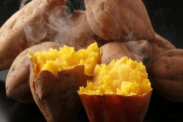Khoai lang chứa nhiều chất dinh dưỡng mà hàm lượng tinh bột lại ít nên chị em có thể ăn khoai lang giảm béo.