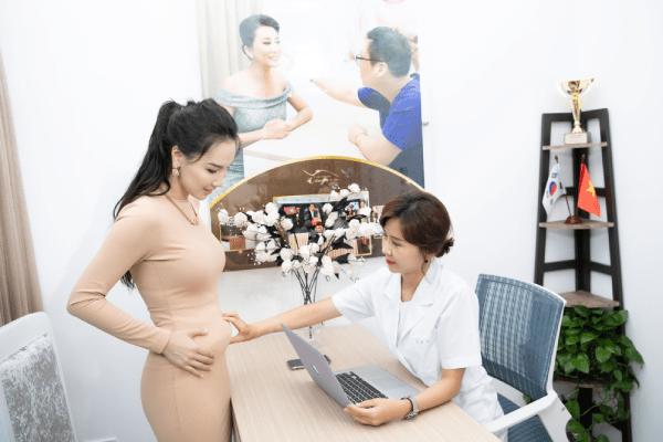 Chuyên gia Hàn Quốc tại trực tiếp tư vấn phương pháp giảm mỡ bụng