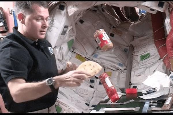 Cách giảm cân 13 ngày của phi hành gia có thể giúp cải thiện sự xuất hiện của khí thừa trong trạm không gian