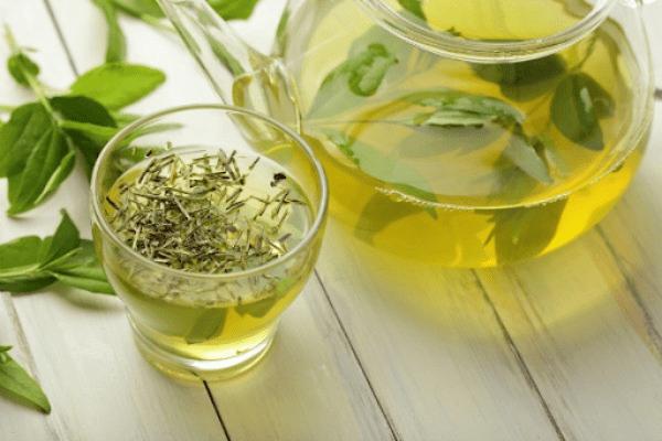 Kết hợp trà xanh và mật ong giúp giảm mỡ và thải độc rất hiệu quả