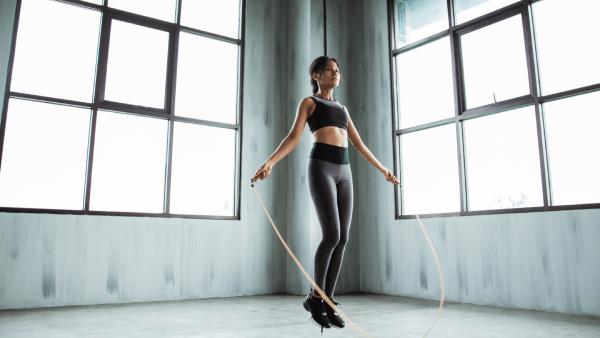 Nhảy dây là biện pháp giúp giảm mỡ bụng nhanh nhất