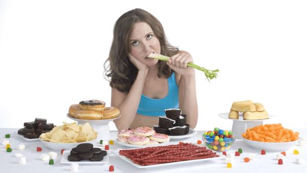 chế độ ăn giảm mỡ để loại bỏ mỡ thừa là phương pháp mà nhiều chị em lựa chọn
