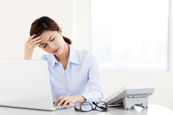 Các chị em văn phòng thường tìm kiếm các bài tập giảm mỡ eo và hông để thoát khỏi tình trạng béo bụng