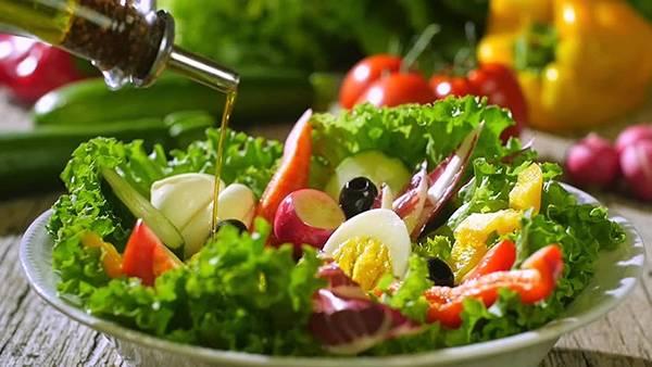 Thực phẩm giàu vitamin C & acid béo giúp chống lão hóa da cổ hiệu quả