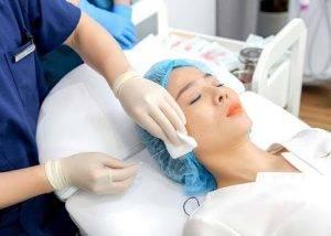 Căng chỉ collagen đang là phương pháp làm đẹp được nhiều chị em lựa chọn để nhanh chóng lấy lại nét thanh xuân