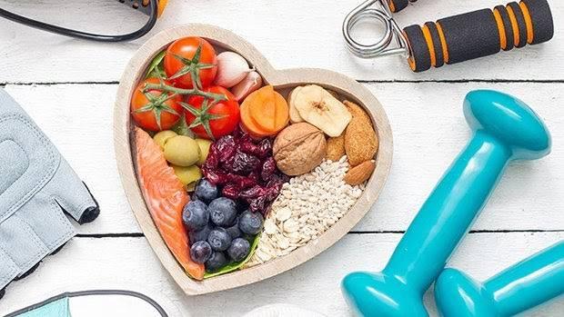 Thay đổi chế độ dinh dưỡng là một trong những cách làm thon gọn mặt trong 1 tuần