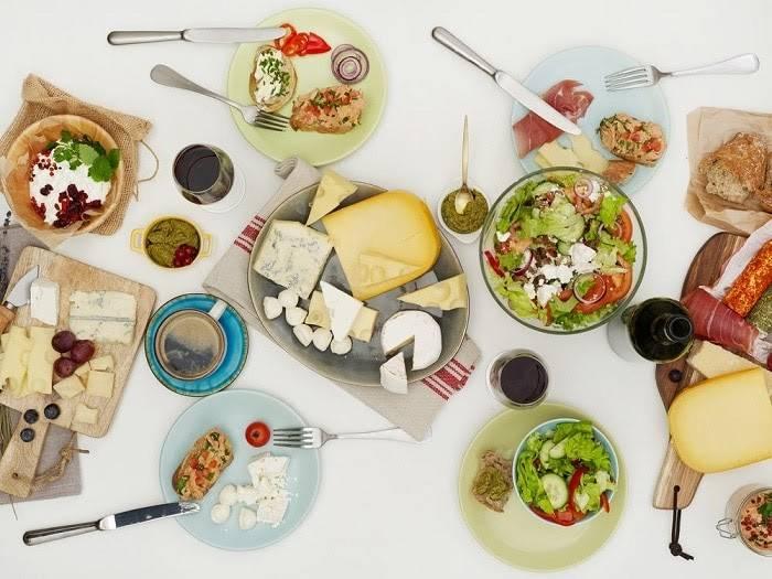 Một chế độ ăn đầy đủ dinh dưỡng đóng vai trò quan trọng trong công cuộc giảm béo mặt trong 3 ngày