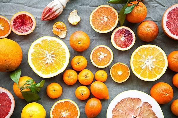 Xuất hiện đầu tiên trong list các món ăn giảm cân nhanh là trái cây họ cam