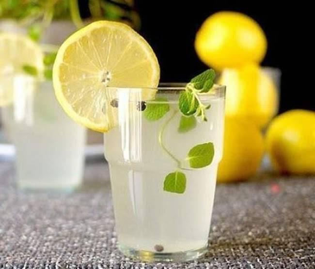 Nước chanh pha loãng giúp giảm mỡ bụng cấp tốc tại nhà