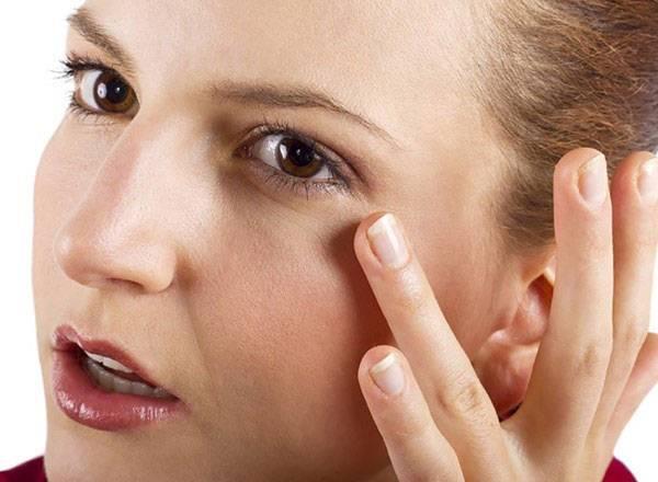 Mặt nạ xóa nếp nhăn vùng mắt sẽ giúp bạn giải tỏa nỗi lo