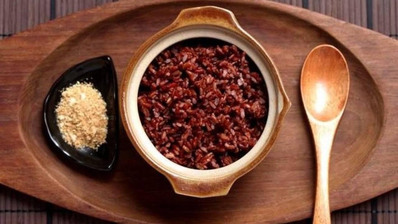 Cơm gạo lứt muối mè chứa đầy đủ dưỡng chất cho cơ thể song lại giúp cơ thể giảm cân hiệu quả