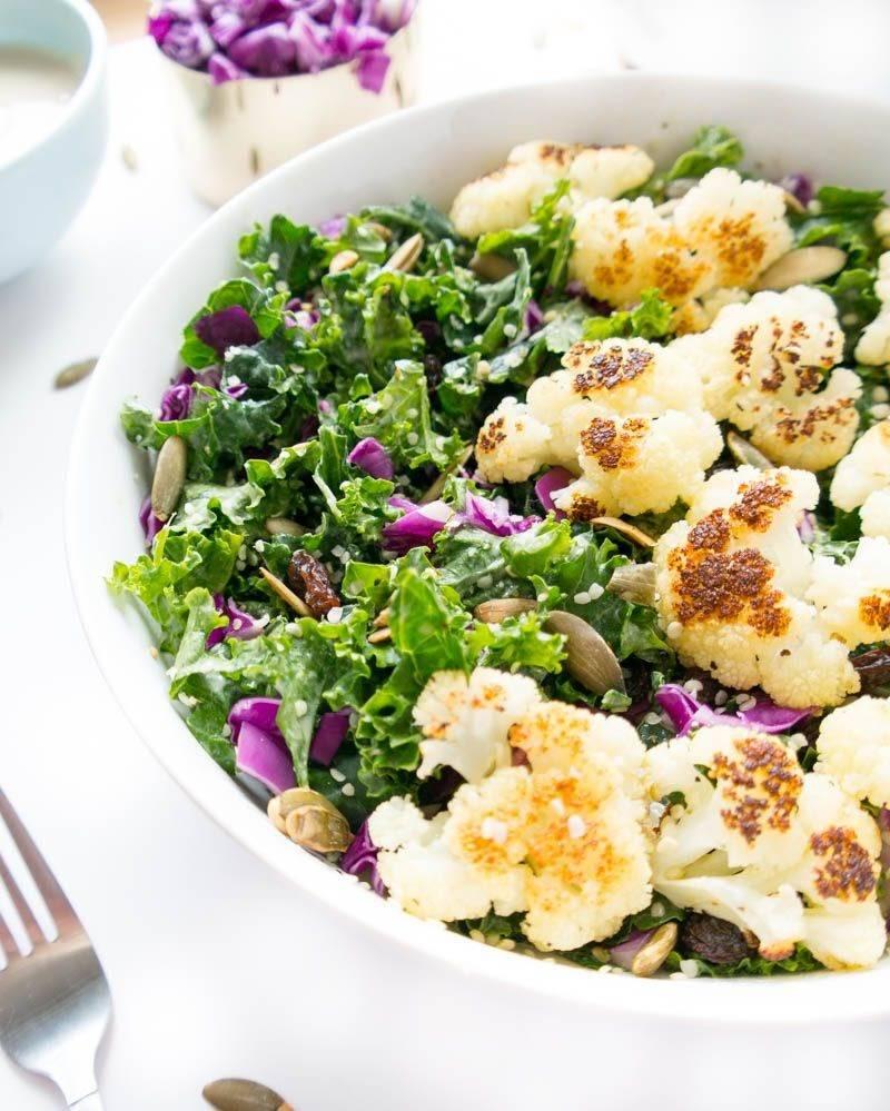Món ăngiảm cân với salad từ bông cải trắng