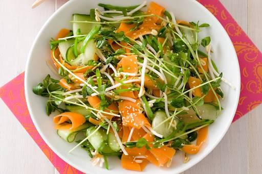 Salad rau mầm là một trong những món ăn giảm béo rất tốt