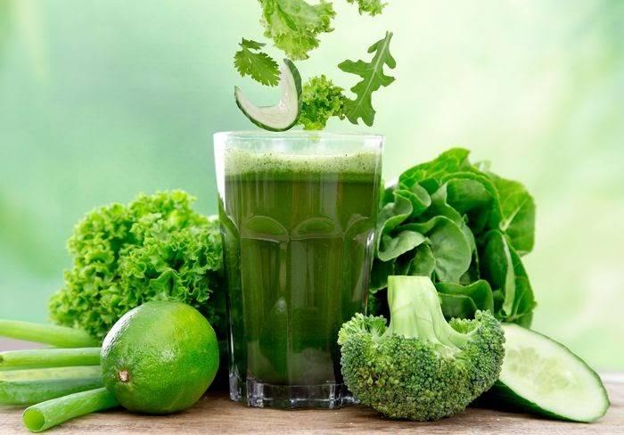 Nước ép giúp giảm béo mặt bằng cần tây hiệu quả