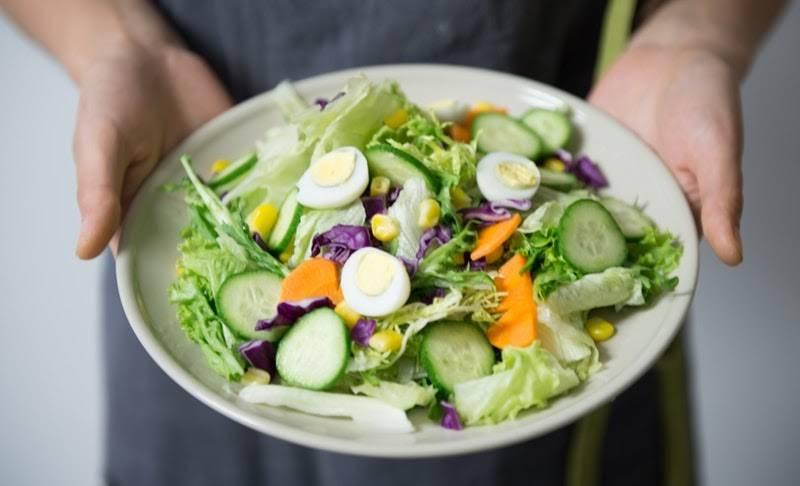 Khẩu phần ăn nhiều rau xanh luôn được ưu tiên trong bất kỳ thực đơn giảm cân khoa học nào