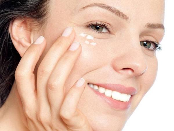 Duy trì sử dụng kem trị bọng mắt từ 15 - 30 ngày, bạn sẽ thấy đôi mắt sáng bừng sức sống