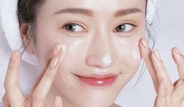 Với mục đích làm sạch da & chăm sóc da thì peeling rất tốt