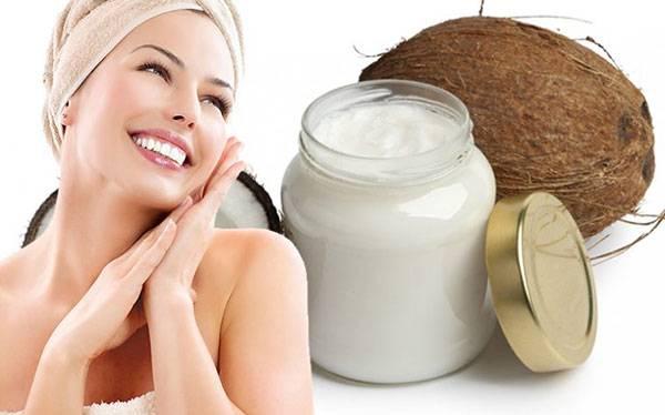 Massage dầu dừa giúp dưỡng ẩm cho da luôn mềm mịn