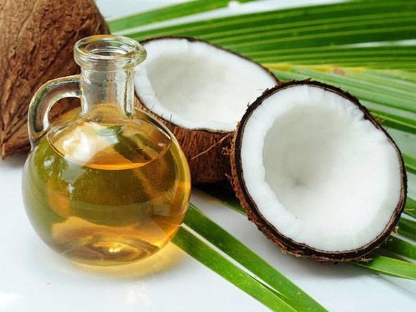 Kiểm tra độ tinh khiết của dầu dừa bằng cách cho vào tủ lạnh trước khi massage mặt bằng dầu dừa