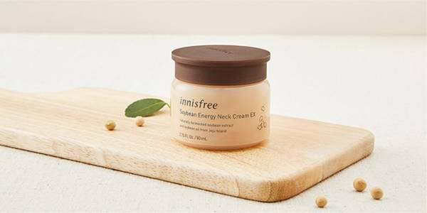 Kem dưỡng vùng cổ Innisfree Soybean Neck Cream có mức giá vô cùng hợp lý