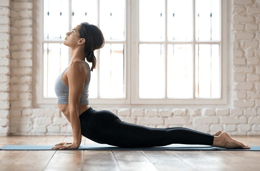 Thực hiện các bài tập yoga vô cùng đơn giản ngay tại nhà