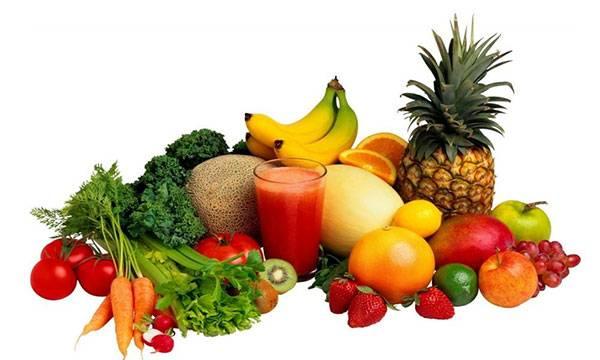 Chế độ ăn nhiều rau xanh và hoa quả giúp tăng cường sức khỏe và tăng hiệu quả chăm sóc da cho bà bầu đẹp da từ bên trong