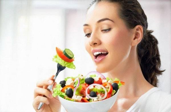 Chế độ ăn uống khoa học giúp làn da khỏe mạnh và cải thiện lão hóa da vùng mắt