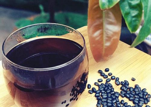 Tại sao uống nước đậu đen có thể giảm cân?