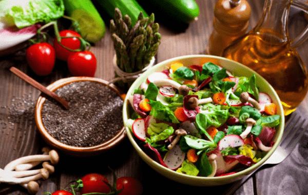 Salad rau củ hạt chia